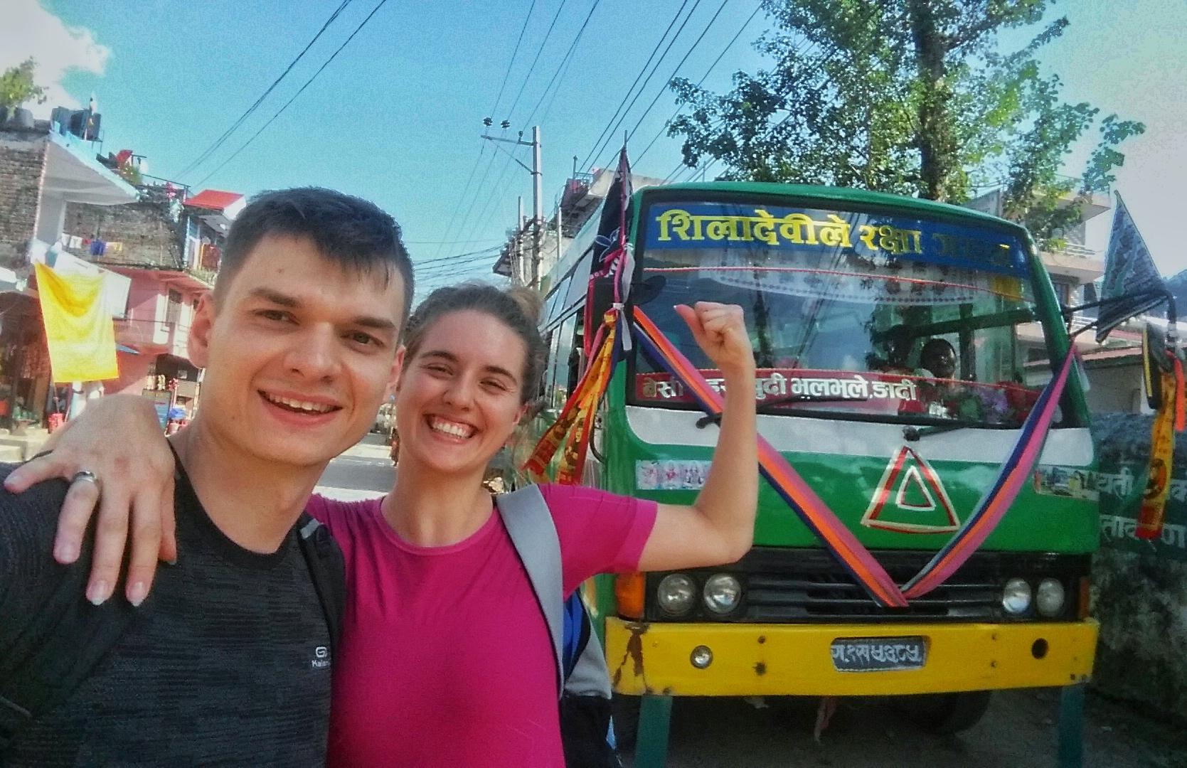 Kolorowy, nepalski autobus