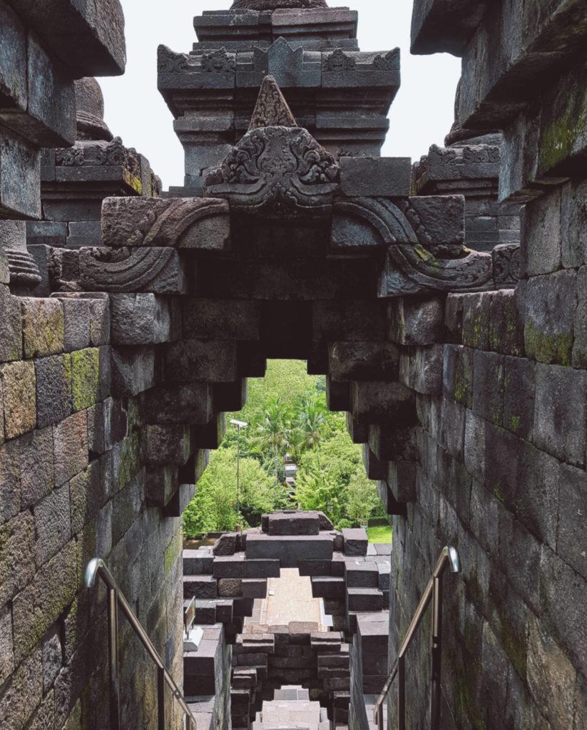 Borobudur - najbardziej tajemnicza świątynia wIndonezji (1)