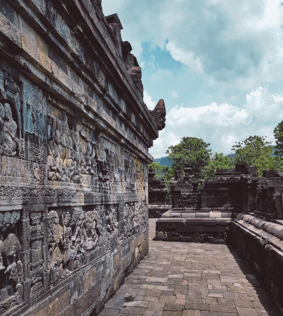 Borobudur - najbardziej tajemnicza świątynia wIndonezji (2)