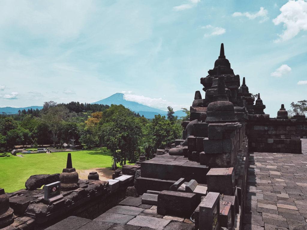 Borobudur - najbardziej tajemnicza świątynia wIndonezji (3)