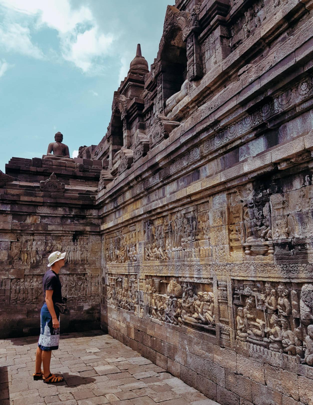 Borobudur - najbardziej tajemnicza świątynia wIndonezji (4)