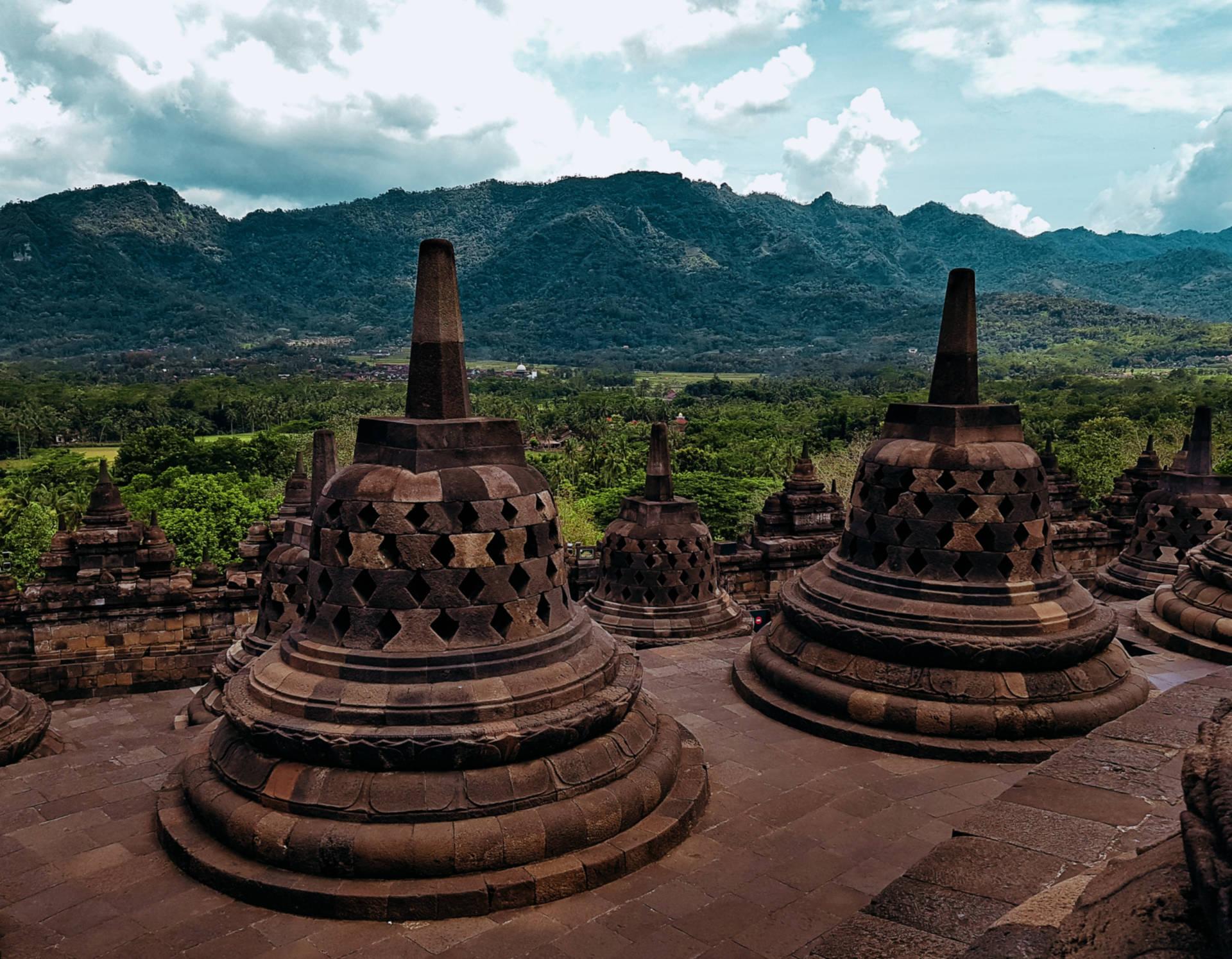 Borobudur - najbardziej tajemnicza świątynia wIndonezji (5)