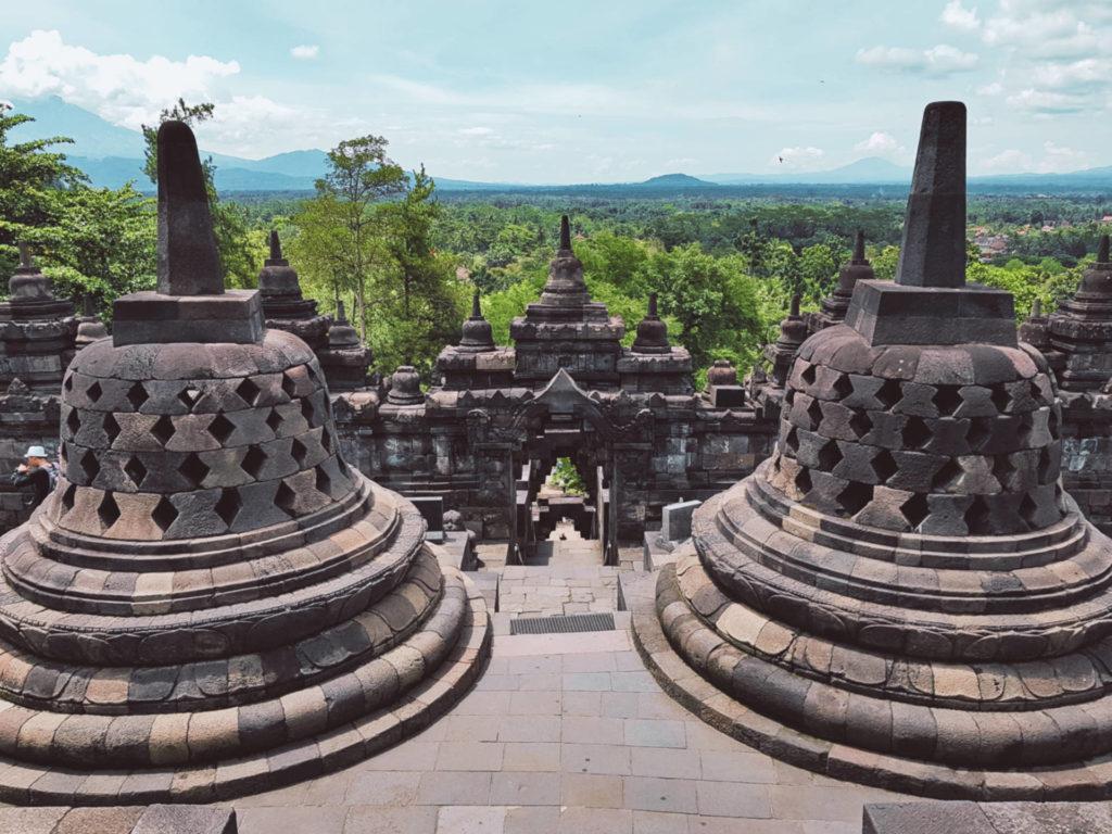 Borobudur - najbardziej tajemnicza świątynia wIndonezji (7)
