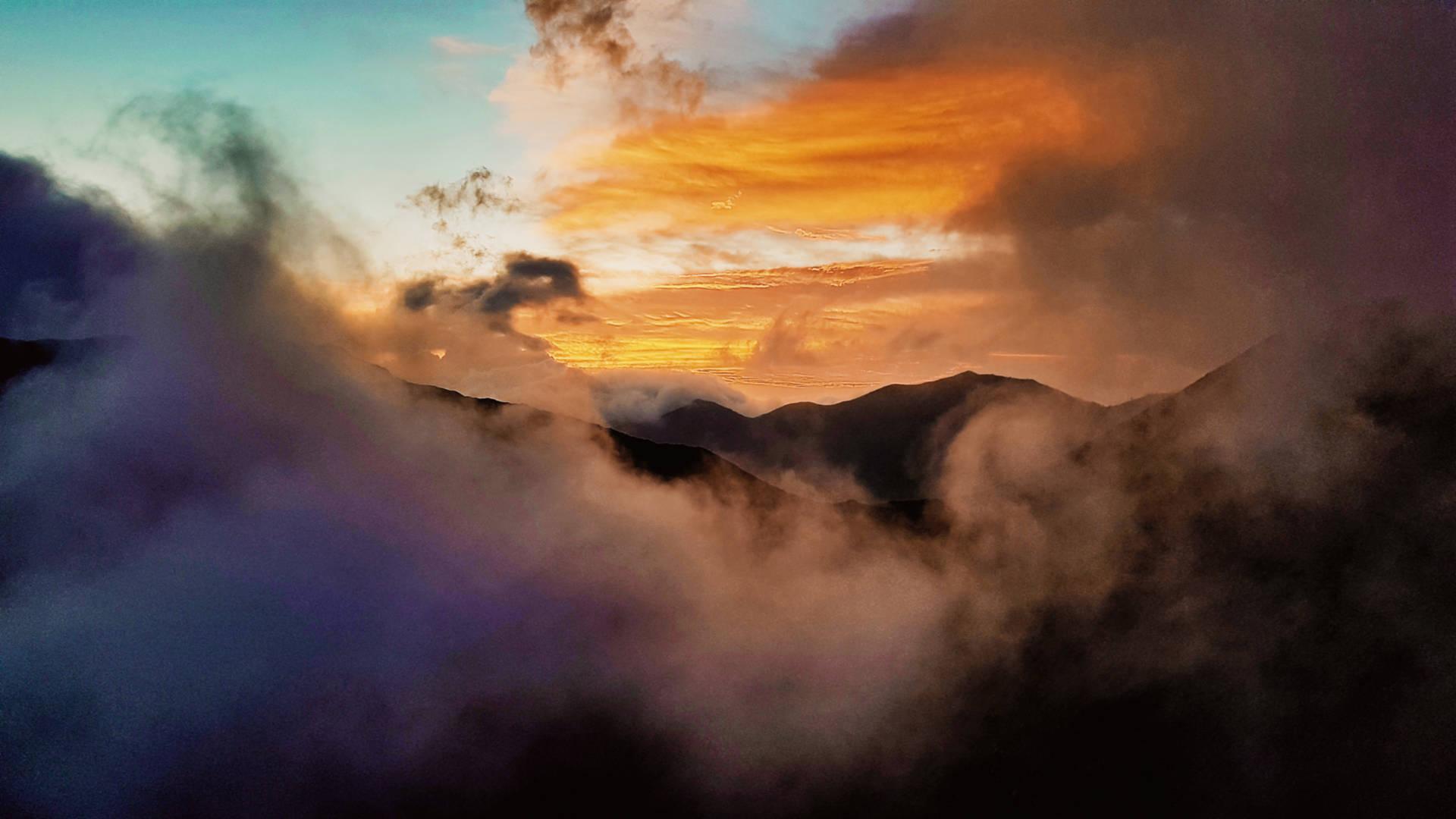 Wschód słońca nadwulkanem Bromo (16)